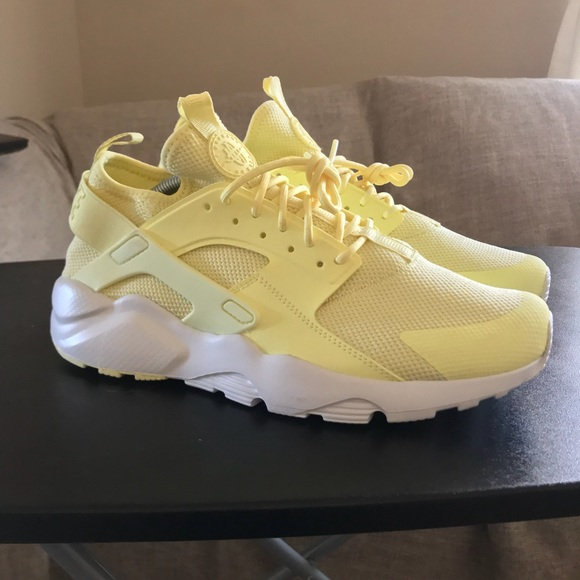 6080df9b5916b NEW Nike Air Huarache Ultra BR Yellow 833147-701. M 5bd91c39e944baf24f46ba59